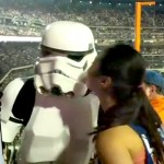 star wars storm trooper on kiss cam at citifield