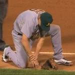 brandon inge pops shoulder back into socket