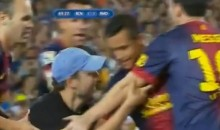 Fan Invades Pitch To Personally Congratulate Messi On His Goal During The Supercopa de España (Video)