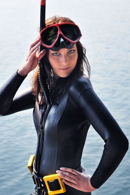 Sexy Girls Scuba Diving (Gallery) | Total Pro Sports