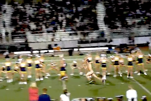streaker interrupts cheerleading performance