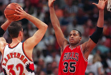 jason-caffey-chicago-bulls-lots-of-kids