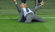 Real Madrid Coach Jose Mourinho Celebrated Cristiano Ronaldo's Goal Like Cristiano Ronaldo (Video)