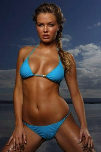 1 R lara bingle (wife of cricket player clark)