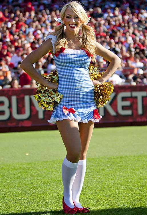 14 Dorothy from Wizard of Oz - NFL Cheerleaders Halloween Costumes (San  Francisco 49ers Gold f70412c5f