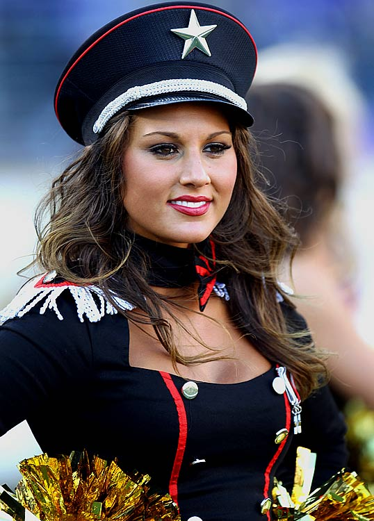 15 Sexy Navy Girl - NFL Cheerleaders Halloween Costumes (Baltimore Ravens)