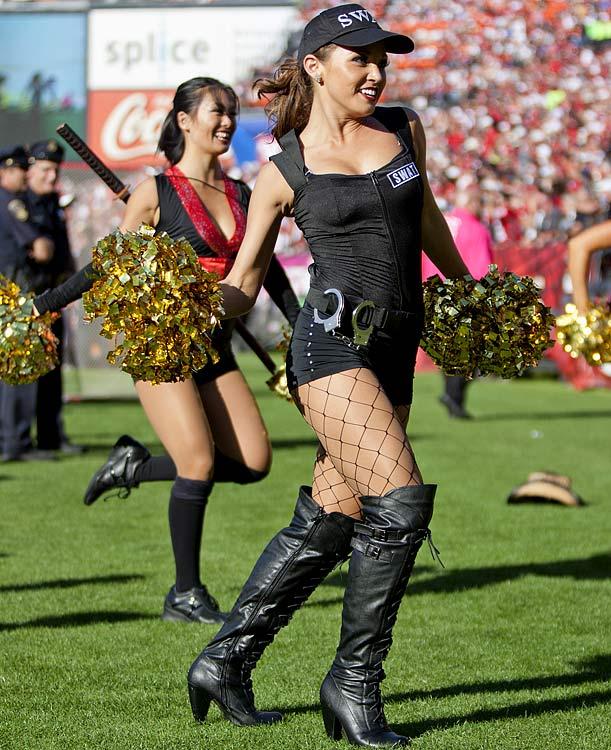 21 Sexy SWAT Team - NFL Cheerleaders Halloween Costumes (San Francisco  49ers Gold Rush) 4f3e2d491