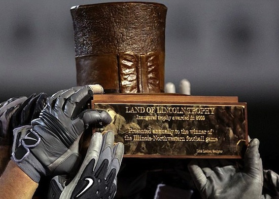 24 land of lincoln trophy - stove pip top hat (illinois fighting illini vs. northwestern wildcats)