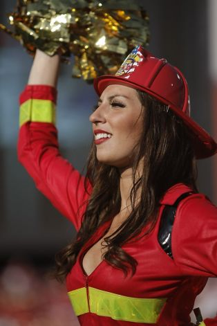 25 Sexy Firefighter - NFL Cheerleaders Halloween Costumes (49ers)