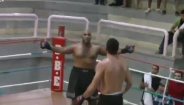 MMA showboat knockout