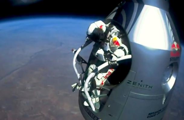 felix baumgartner sets skydiving record