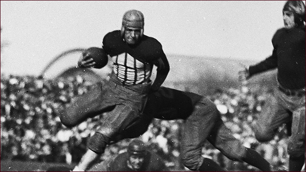1 red grange fighting illini - college football national championship droughts