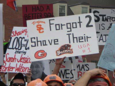 21 great funny ESPN college gameday signs - forgot to shave