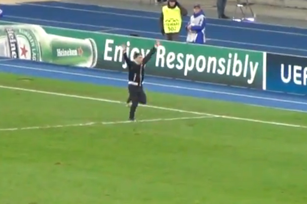 dynamo kiev fan invades pitch