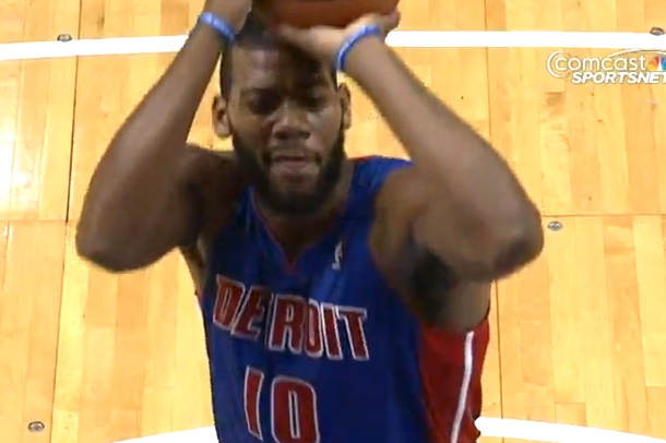 greg monroe makes free throw with one eye shut