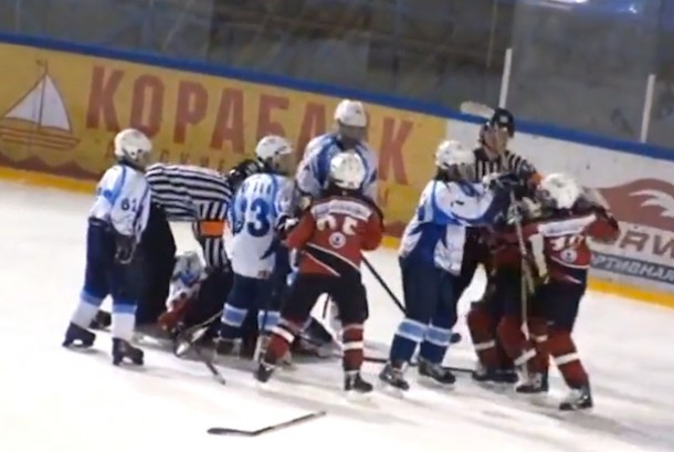 russian youth hockey brawl
