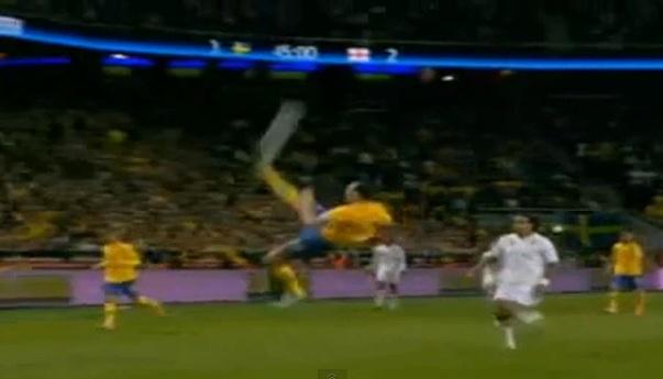 Zlatan Ibrahimovic Just Scored a Ridiculous Bicycle Kick ... Zlatan Ibrahimovic Bicycle Kick
