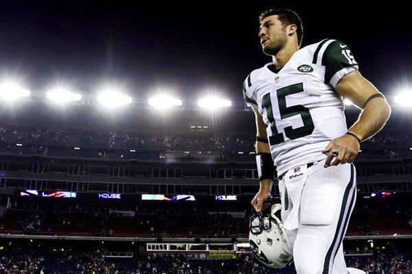 8 Tim Tebow - top best selling NFL jerseys