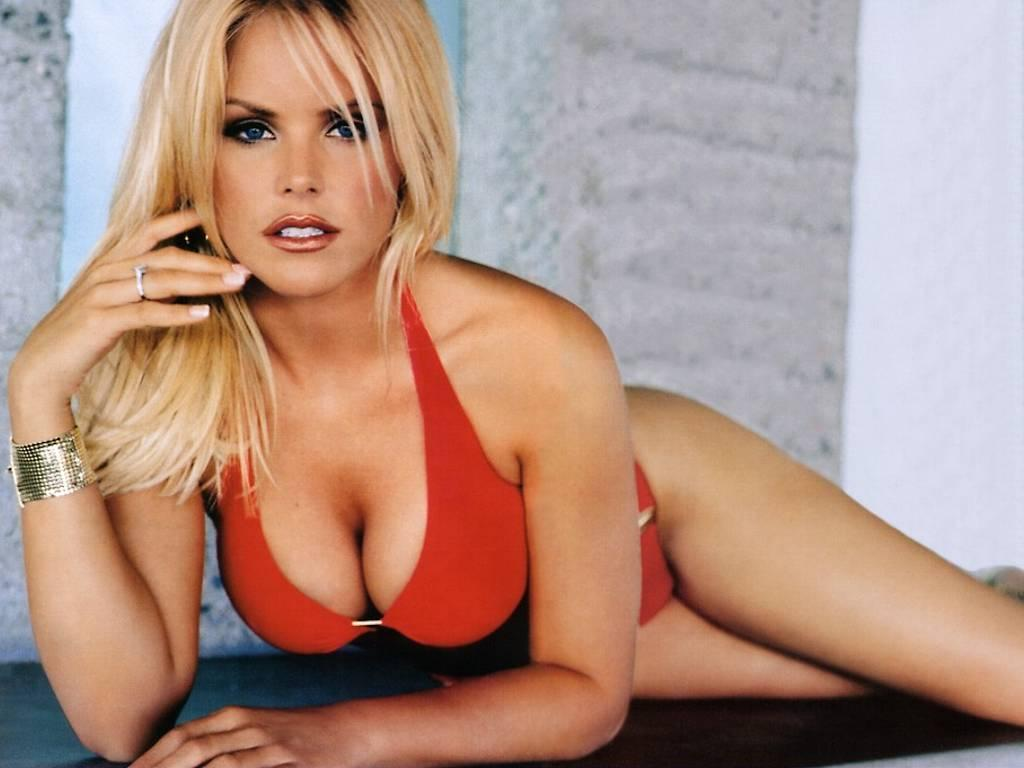 14 gena lee nolin (cale hulse) - hottest nhl celebrity wags of all time