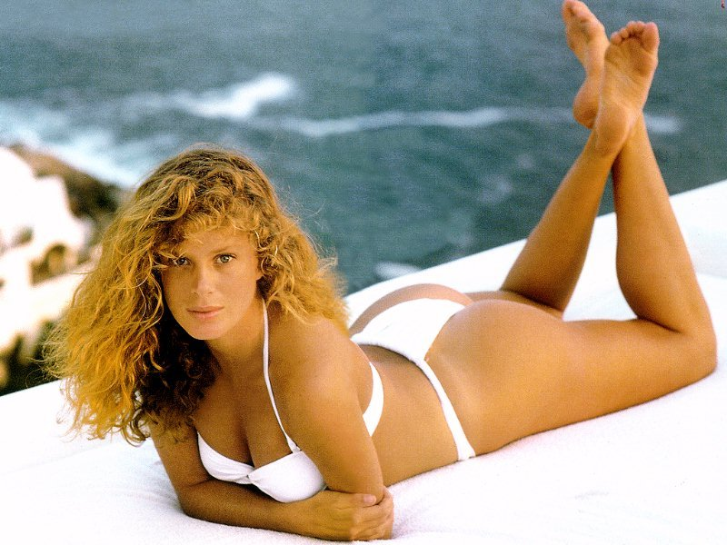 16 rachel hunter (jarret stole - sean avery) - hottest nhl celebrity wags of all time
