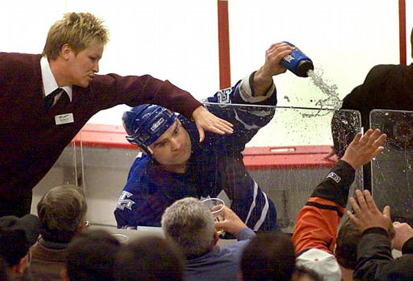 2 tie domi fights fan - worst moments in maple leafs history