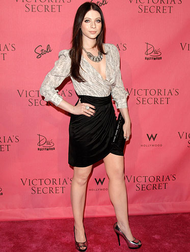 25-michelle-trachtenberg-brandon-prust-hottest-nhl-celebrity-wags-of-all-time