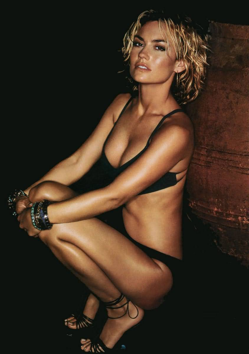 9 kelly carlson (tie domi) - hottest nhl celebrity wags of all time