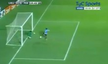 Peruvian Goalkeeper Makes Not One, But Two Insane Saves in a Row (Video)