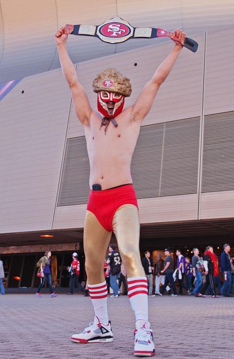 1 49ers fan wrestler costume - crazy super bowl xlvii fans