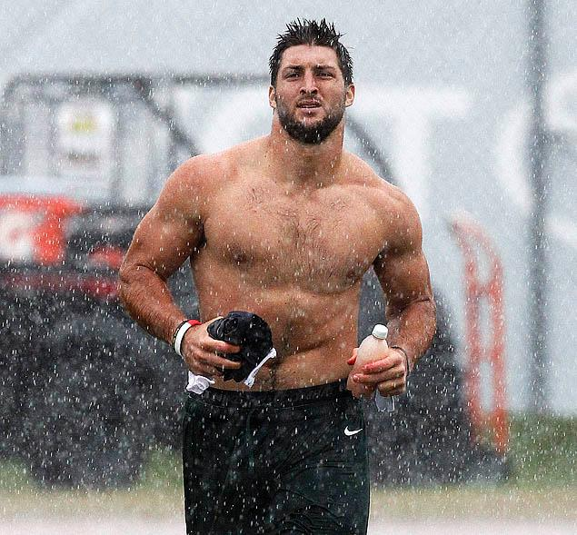 10 tim tebow - fittest bodies in sports