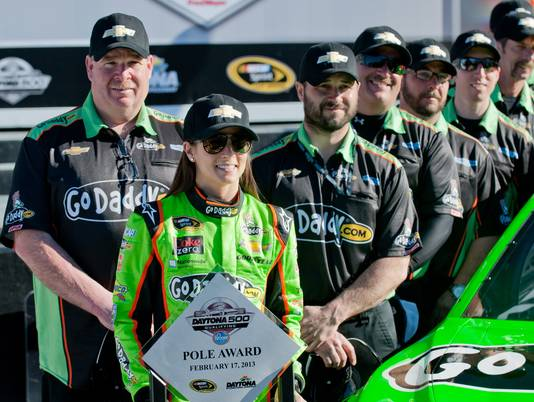 16 danica patrick daytona 500 pole position - female nascar drivers
