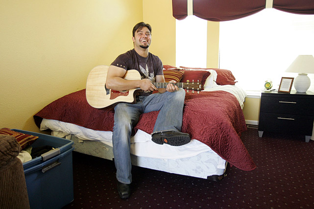 16 nick swisher with guitar - athletes who were musicians