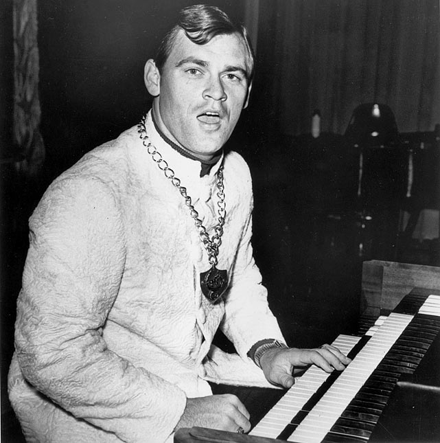 23 denny mclain playing keyboards - athletes who were musicians