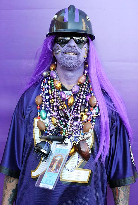 5 ravens fan zombie with mardi gras beads - crazy super bowl xlvii fans