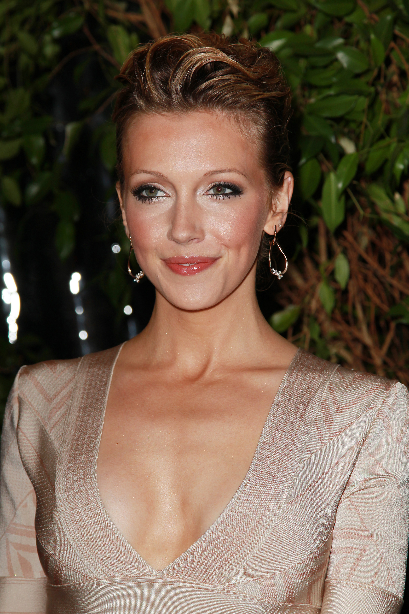 6 katie cassidy (jarret stoll girlfriend) - biggest ladies men in sports