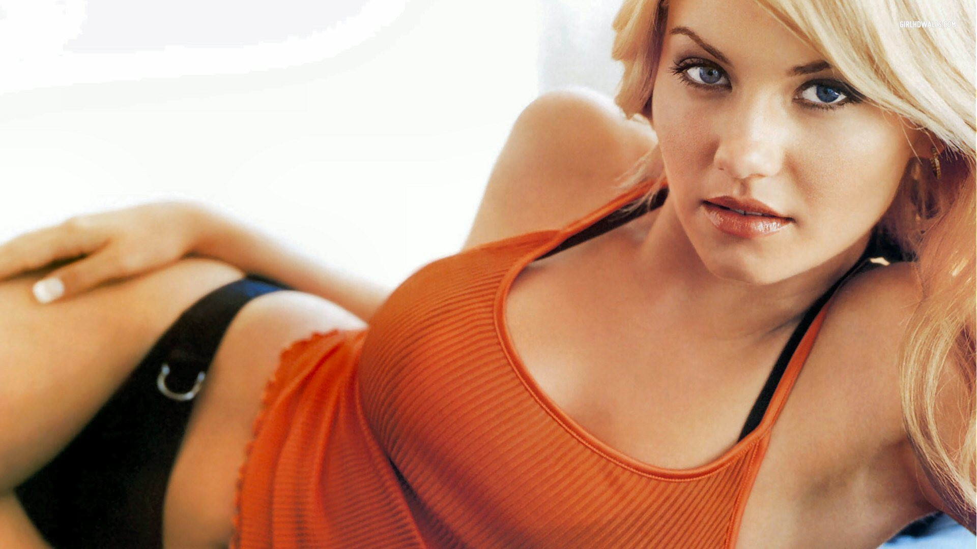 9 elisha cuthbert (sean avery ex-girlfriend) - biggest ladies men in sports