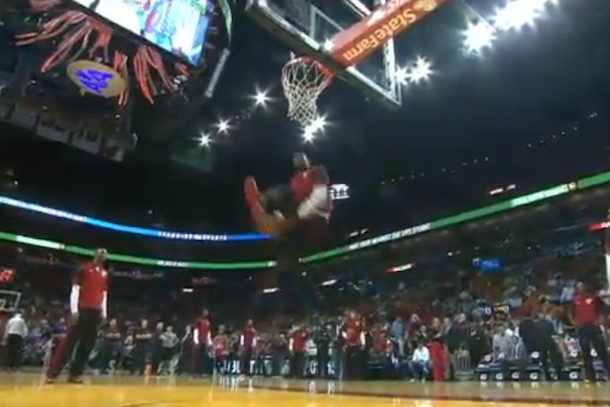 amazing lebron dunk