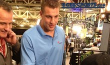 Rob Gronkowski Pays Kid $100 For a Glass of Lemonade