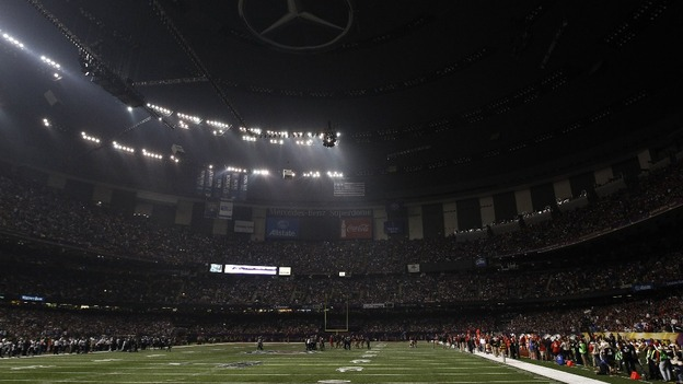 lights out at super bowl mercedez super dome