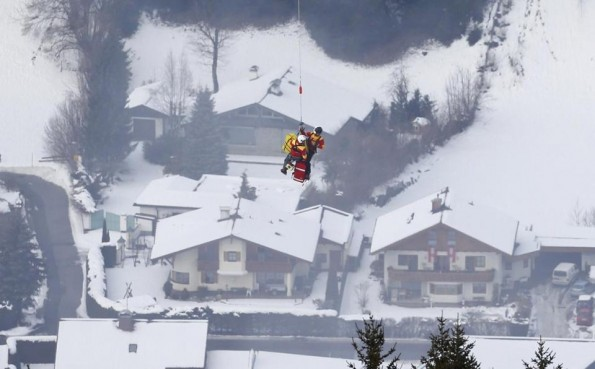 lindsey vonn crash world ski championships airlifted