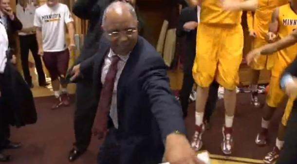 tubby smith dancing to kesha