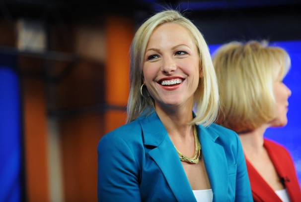 16 lindsay czarniak - most popular female sports reporters on twitter