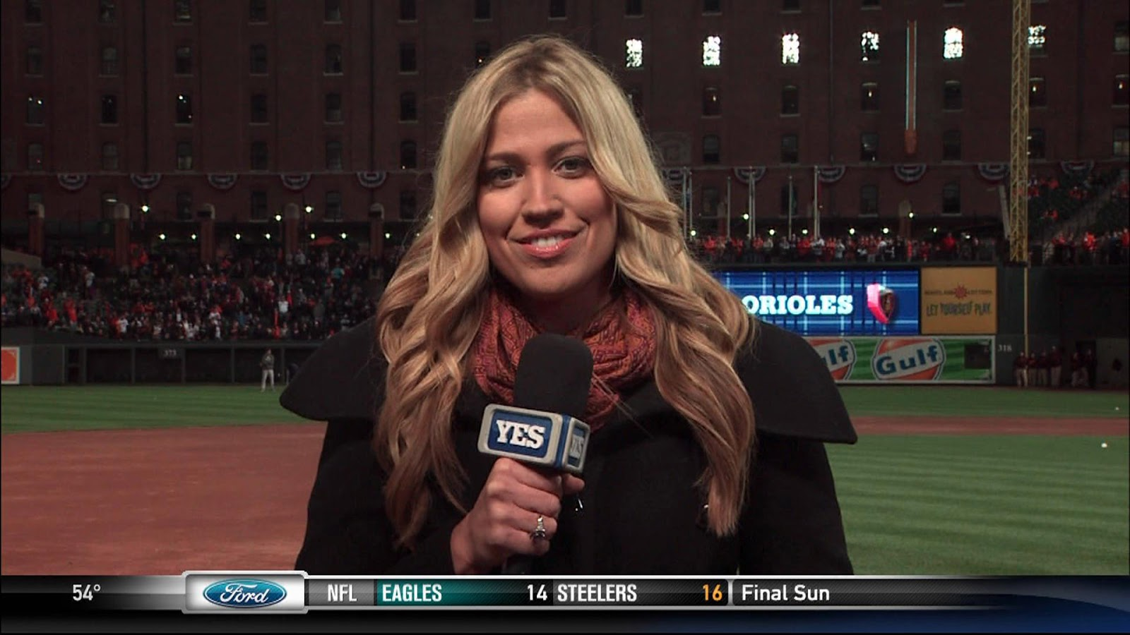 27 meredith marakovits yes - most popular female sports reporters on twitter