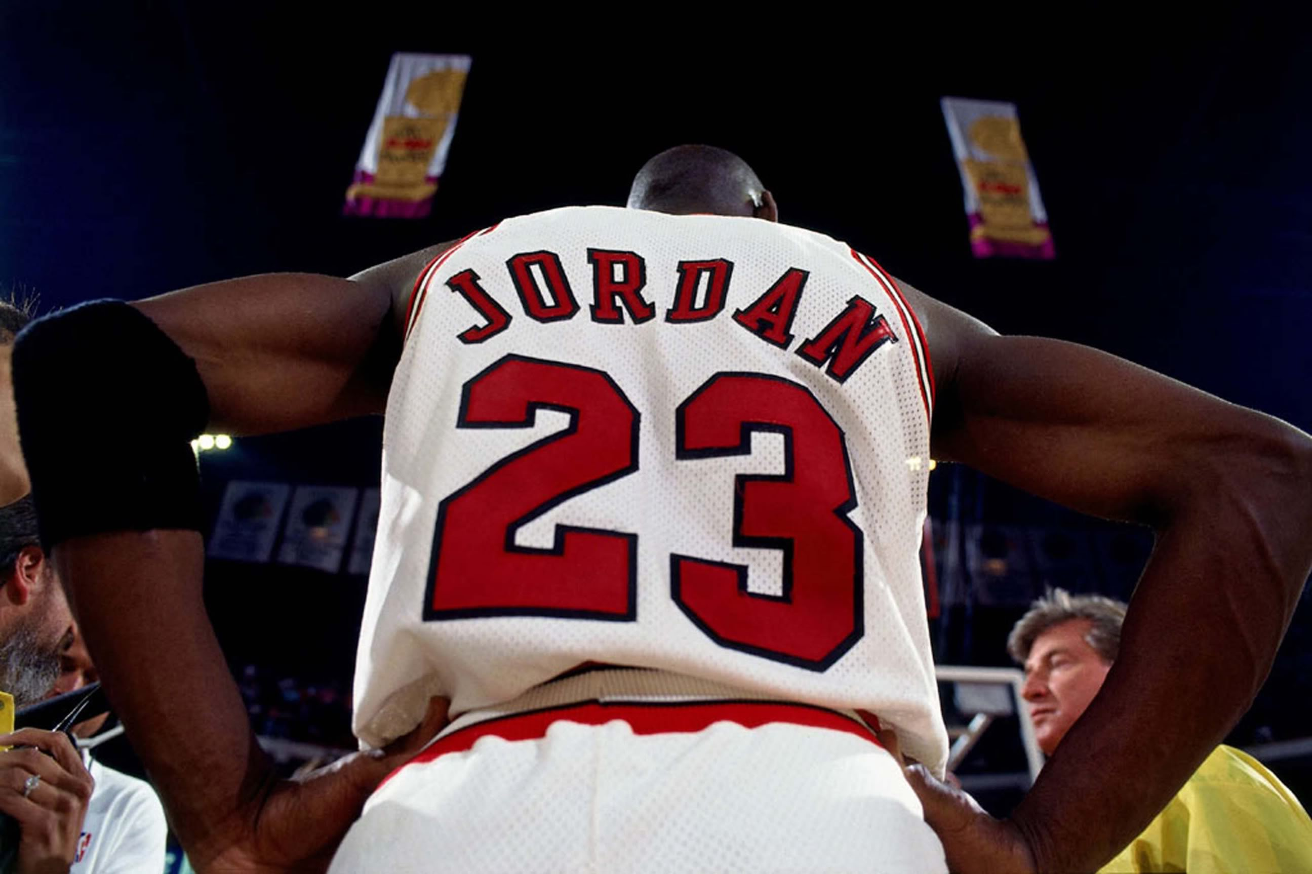 6 michael jordan - nba 60 points club (players who have scored 60 points in a game)