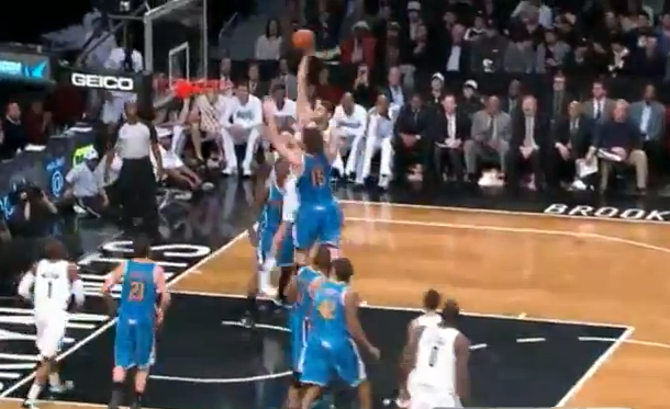brook lopez posterizes twin brother robin