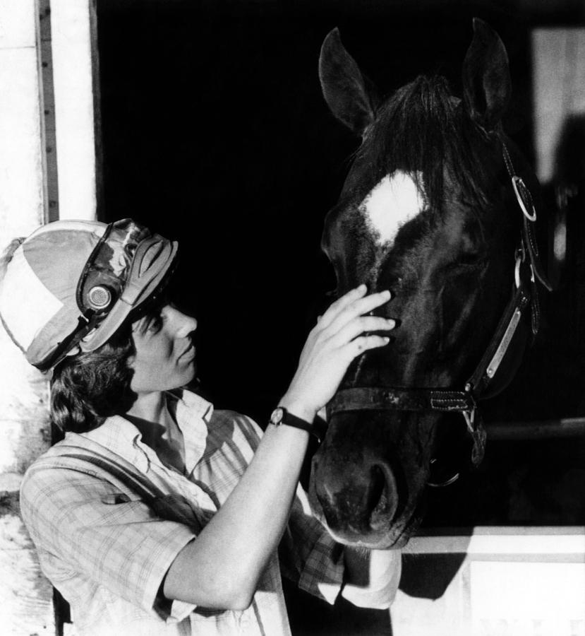 diane crump kentucky derby - female sports firsts