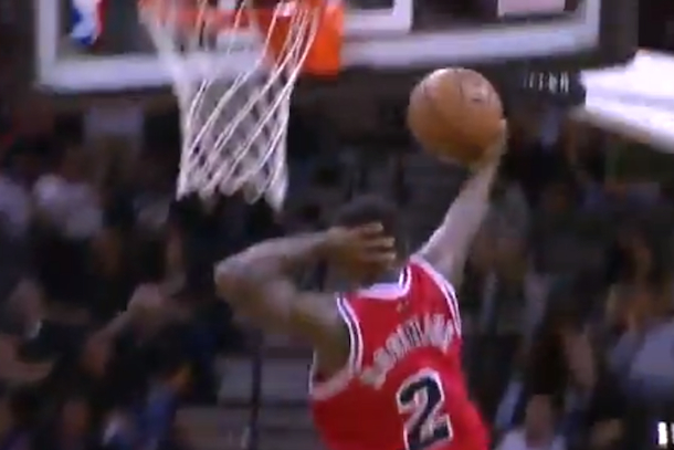 nate robinson showing off durign bulls blowout