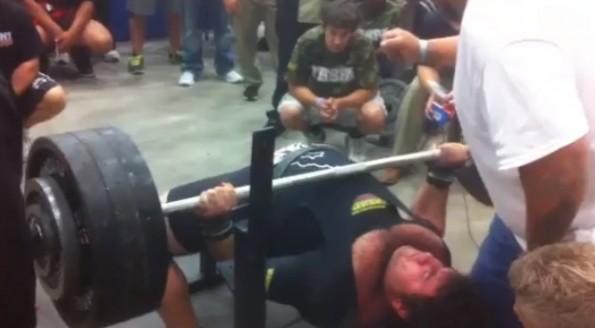 texas high school bench press 700 pounds Matt Poursoltani
