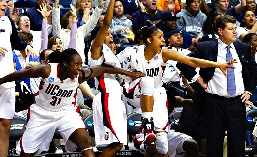 uconn huskies women's basketball - impressive winning streaks