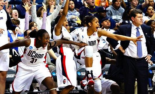 uconn huskies women's basketball - impressive winning streaks